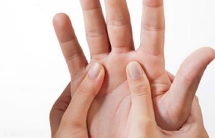 """סדנאת """"מגע מרפא"""" – 8 מפגשים"""